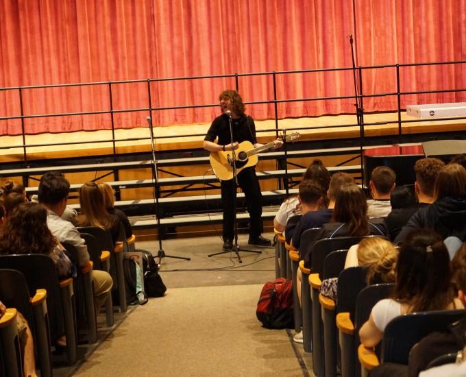 Student guitar soloist